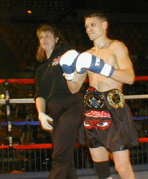 Bill Dexter winning the IKF Muay Thai title